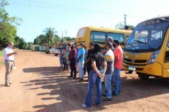 Prefeitura realiza entrega de mais dois micro-ônibus para Porto Alegre do Norte