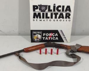 Força Tática prende motorista que portava espingarda embaixo do banco em Vila Rica
