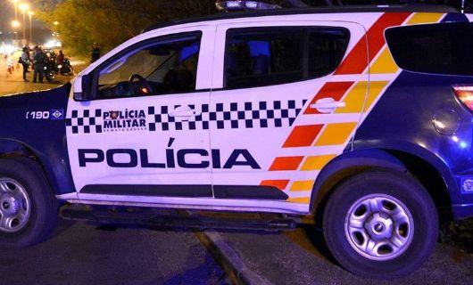 Homem pega bateria em posto de combustível, sai sem pagar e ação vira caso de polícia em Porto Alegre do Norte