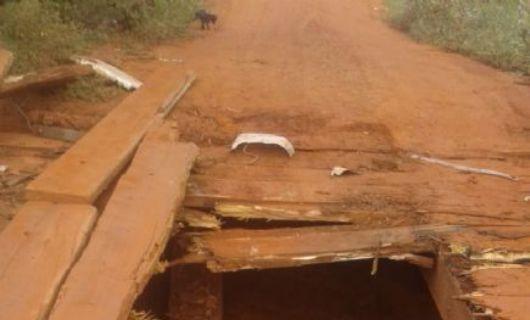 Pontes sob o Rio Fontoura estão intrafegáveis para veículos pesados; prefeitura de Santa Cruz do Xingu busca recursos para conserto