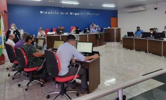 Em Sessão extensa, vereadores de Água Boa aprovaram importantes projetos para o município