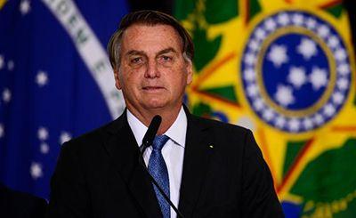 Bolsonaro zera imposto de remédio para tratamento de câncer