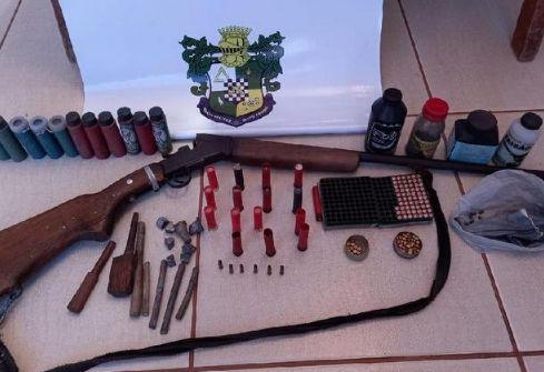 Homem é pego com espingarda, munições e animais silvestres abatidos em São Felix do Araguaia