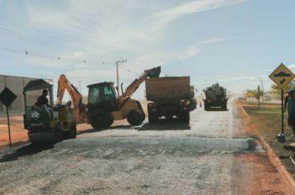 Governo de Confresa instala lombadas na Avenida Industrial