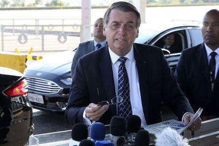 Bolsonaro critica fechamento de escolas e ataca governadores