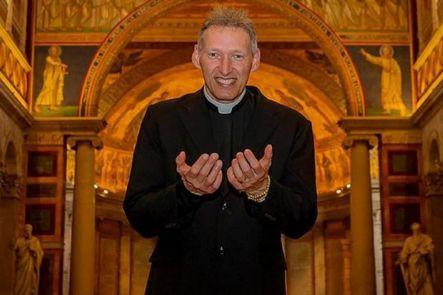 Padre Marcelo Rossi diz que tomou anabolizantes para ficar bonito