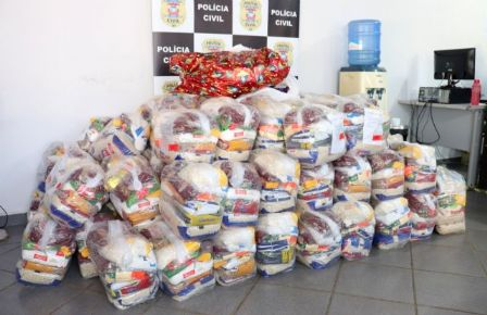 Polícia Civil doa 100 cestas básicas em campanha solidária em Barra do Garças