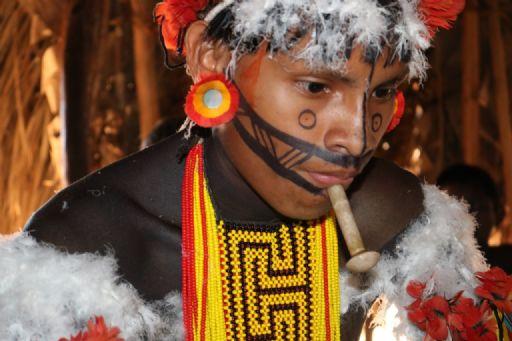 Confresa: Indígenas da aldeia Urubu Branco fazem festa com rito de passagem de jovem para adulto e caçador