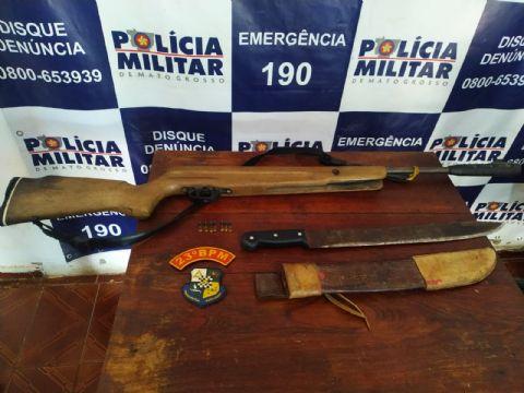 Polícia Militar de Santa Terezinha prende suposto segurança de fazenda com espingarda não registrada