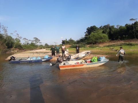Grupo de canoeiros realiza limpeza no Rio Tapirapé em Porto Alegre do Norte