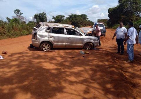 Pai e filho morrem em capotamento na BR-158 em Alto Boa Vista; outras três pessoas ficaram feridas