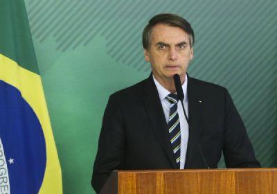 Bolsonaro sanciona prorrogação de mudanças no calendário escolar