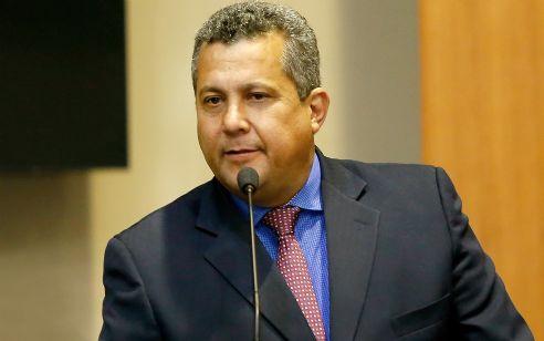 Justiça bloqueia bens de deputados e mais 10 suspeitos de corrupção no Detran; Baiano Filho na lista