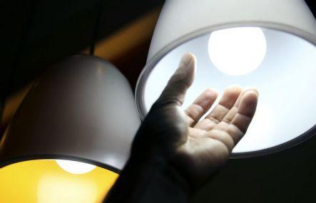 Consumo de energia cai 6,6% em abril, diz EPE