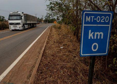 Governo de MT assina ordens de serviço para obras de infraestrutura em Confresa e outros 55 municípios