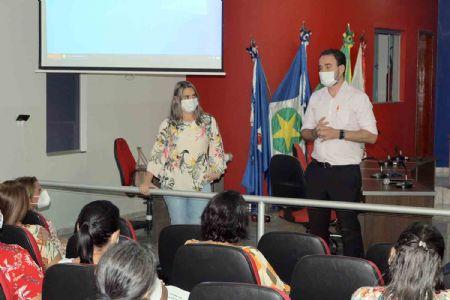 Prefeito de Água Boa sanciona decreto que autoriza volta as aulas nas escolas de educação básica no município