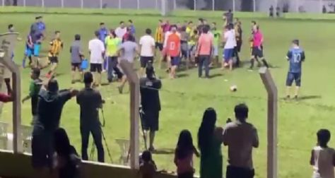 Indígenas invadem campo e agridem juiz de futebol; briga acaba com festa de fim de campeonato no Araguaia