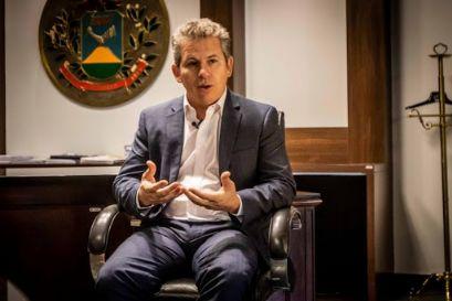 Em entrevista exclusiva, Mauro Mendes insta prefeitos do Araguaia a produzir projetos e firmar parcerias com o Governo